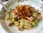 Vegan Zoodles with super creamy Avo-Nut-Mushroom Sauce {www.dasweissevomei.com}