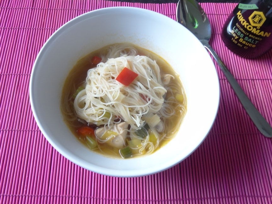 Bihun Suppe - pikante Asia Suppe {www.dasweissevomei.com}