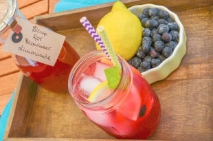 Blueberry Lemonade {www.dasweissevomei.com}