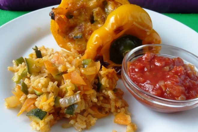 Gefüllte Paprika vegetarisch {www.dasweissevomei.com}