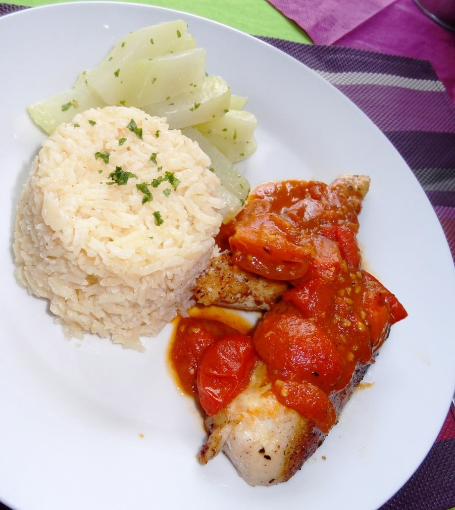 Hühnchen mit Tomaten-Kräutersauce mit Knoblauc Reis Pilaf  {www.dasweissevomei.com}