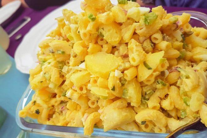 Hawaiian Potato Mac Salad {www.dasweissevomei.com}