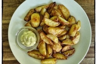 Oven Fries - Kartoffen Spalten - Pommes aus dem Ofen - fettarm {www.dasweissevomei.com}