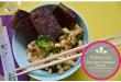 Quinoa Gemüse Pfanne mit Erdnuss Sauce und gebackenem Tofu