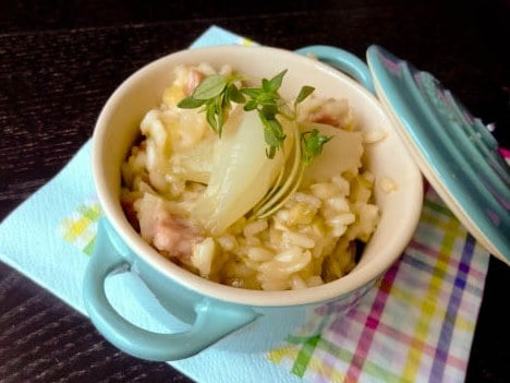 Risotto mit Bratwurst und karamellisierten Zwiebeln {www.dasweissevomei.com}