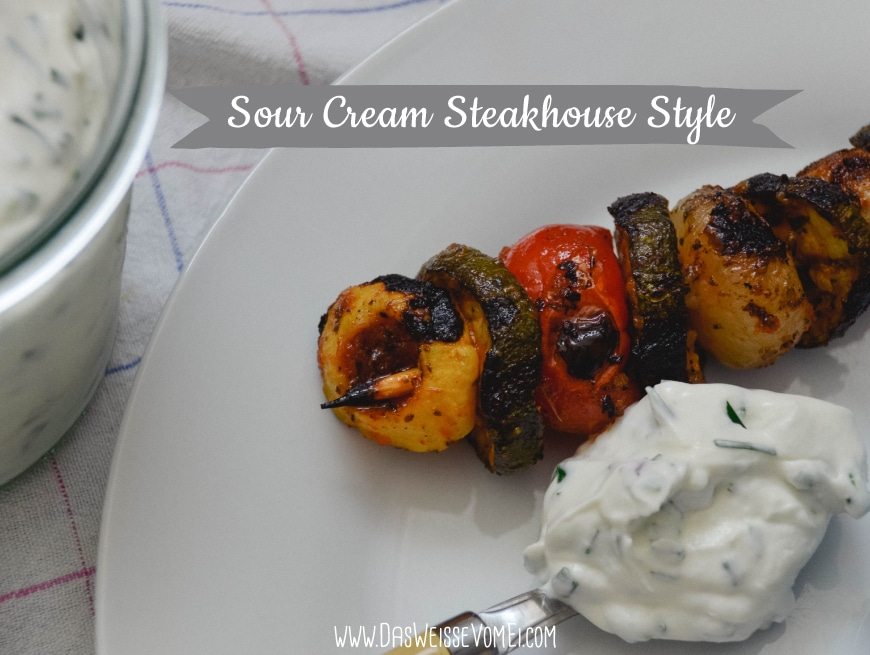 Sour Cream Steakhouse Style {www.dasweissevomei.com}