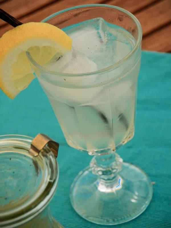 Vanilla Bean Lemonade - Lemonade Sirup {www.dasweissevomei.com}